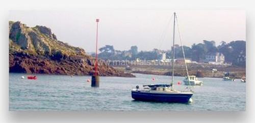 signalisation maritime - balisage en mer - mât de signalisation