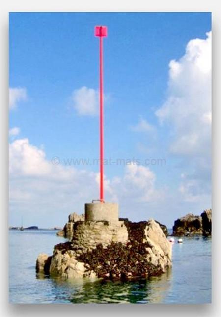 Mât en situation - signalisation maritime