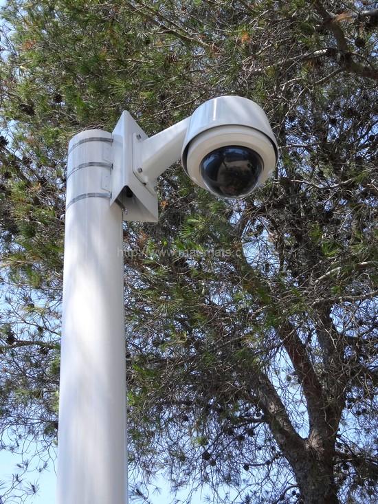 mâts - équipement de vidéosurveillance